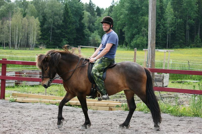 Pelle rider 001.JPG